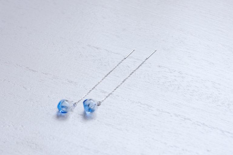 アロマピアス アイス SV925ロジウムメッキ チェーンタイプ 限定カラーライトブルー
